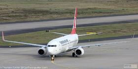 Turkish_Airlines_737-800W_TC-JHV