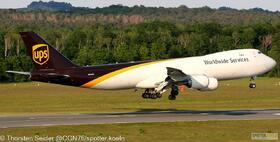 UPS 747-800 N614UP
