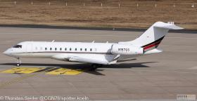 N157QS NetJets Aviation BD-700