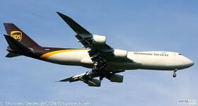 UPS 747-800 N613UP