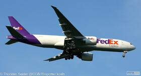 FedEx 777-200 N882FD