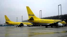 D-AGER + D-AGEN_Hapag_Lloyd_Express_737-75B