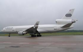N271WA_World_Airways_CGN_07-08_2005